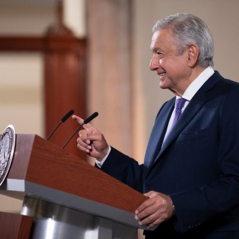 Enviará AMLO iniciativa para regular el outsourcing