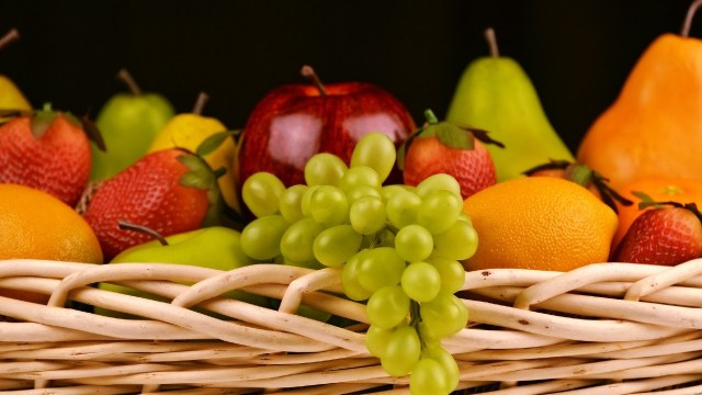 Uvas, manzanas y peras entre las frutas y verduras más baratos de la temporada