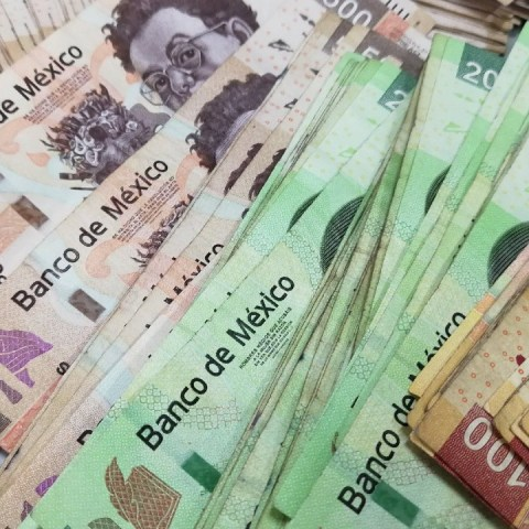 Gana 100 mil pesos en concurso de la Condusef sobre educación financiera