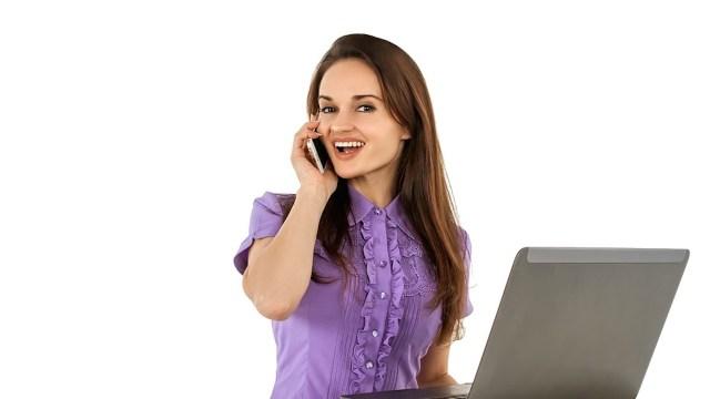 Empleado feliz en el trabajo (Imagen: pixabay)