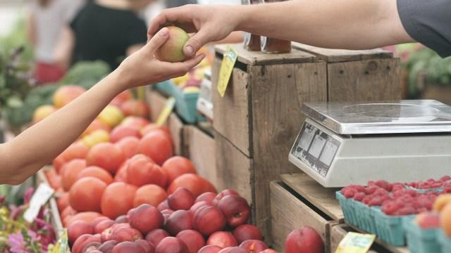 Presentan precios al consumidor variaciones de 4.01% en septiembre: Inegi