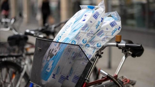Compras de pánico con el papel higiénico en Alemania por el coronavirus (Imagen: Twitter @welt)