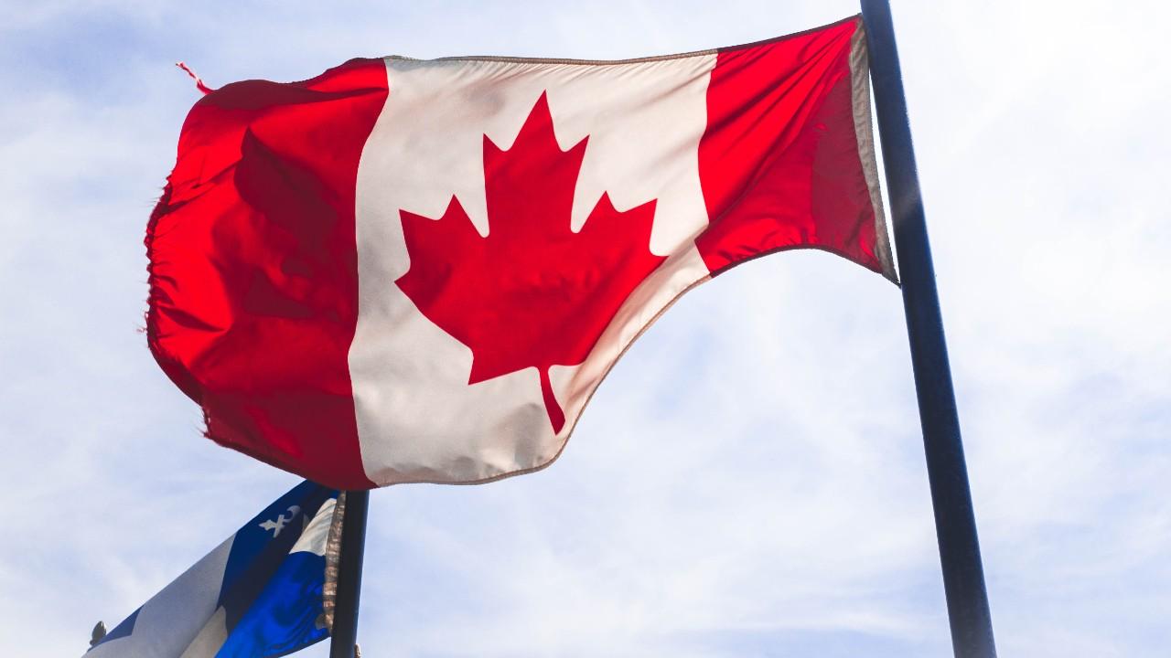 Esto es lo que necesitas para comenzar a trabajar en Canadá