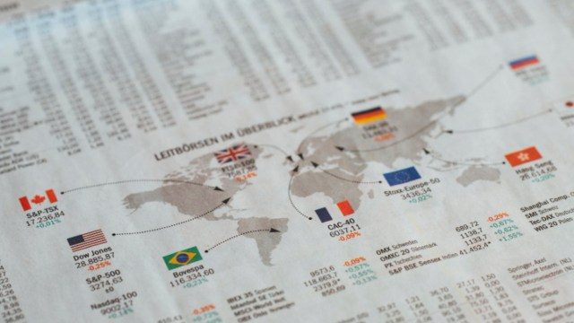 Bolsas de valores caen por cierre en EU debido a feriado por Acción de Gracias (Imagen: pexels)
