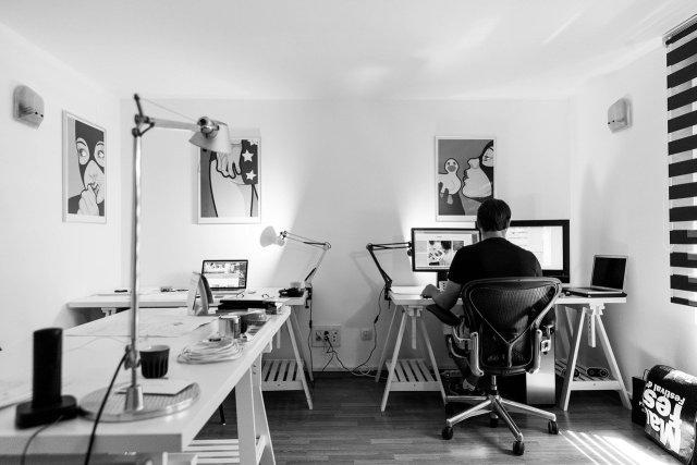 Estos son los riesgos para la salud al hacer home office
