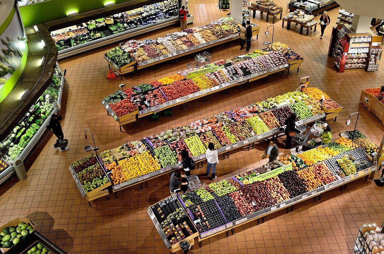 Tiendas de autoservicio, mercado con pocos competidores: Cofece