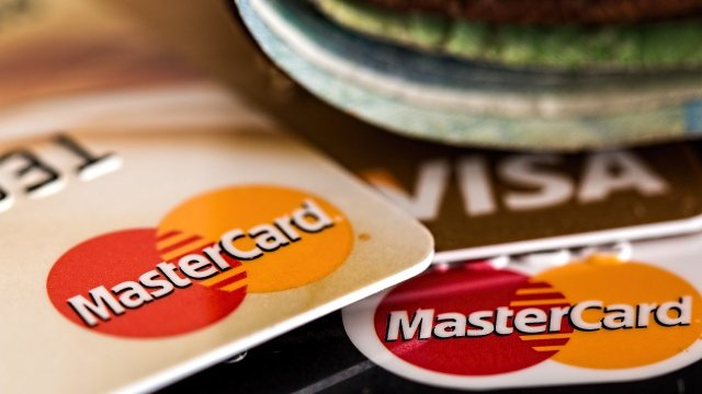 Por estas razones una tarjeta de crédito es mejor que una de débito
