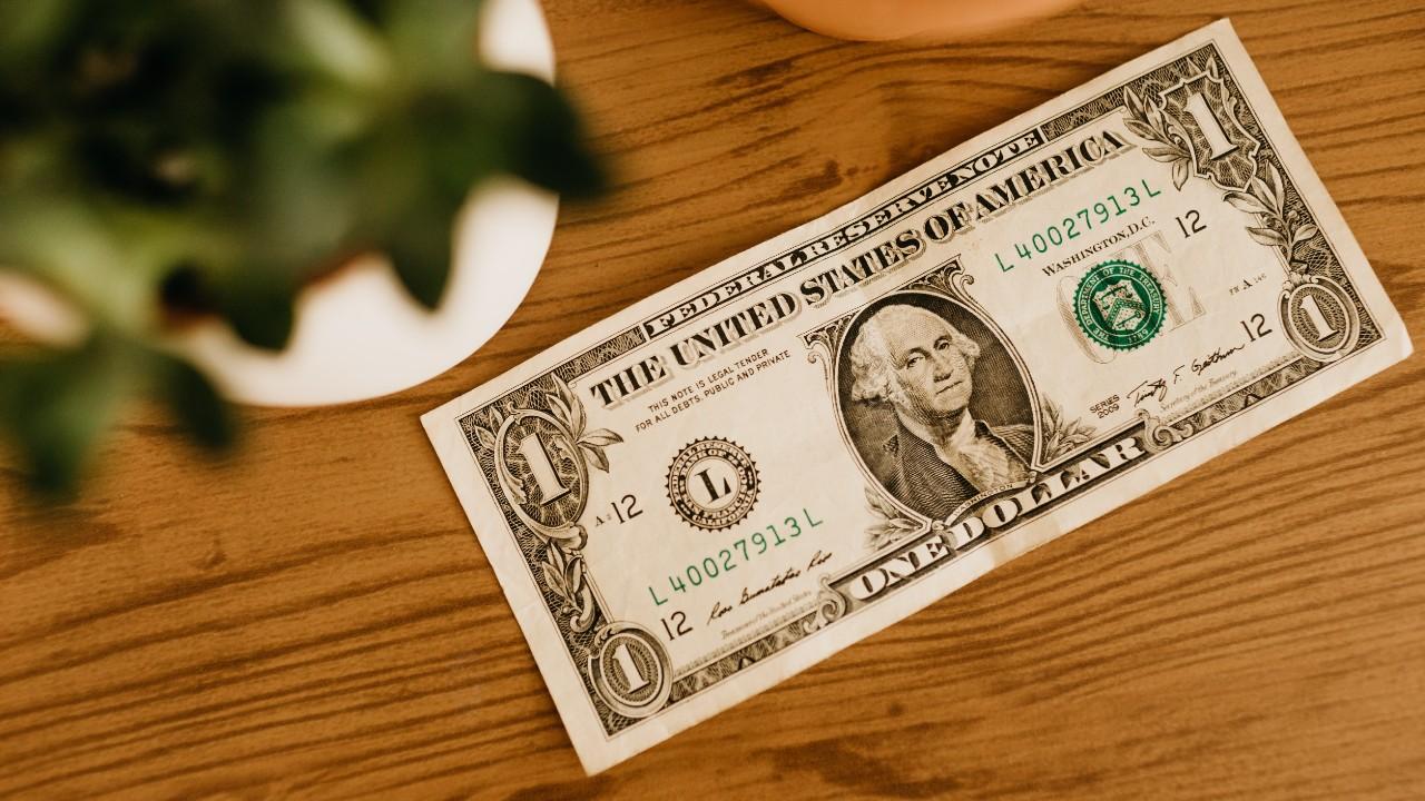 Cuándo es buen momento para comprar dólares