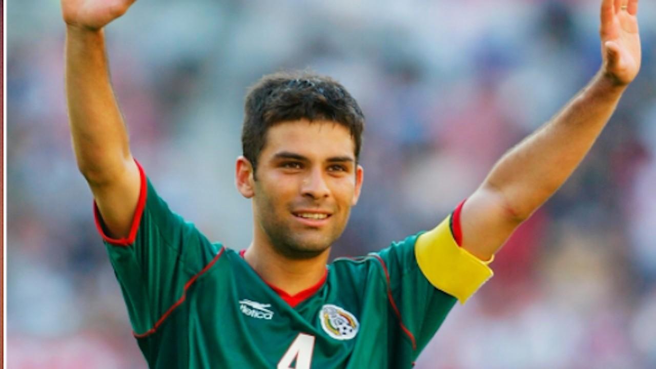 El defensa mexicano Rafael Márquez pudo ser jugador del Real Madrid (Imagen: Twitter @FIFAMuseum)