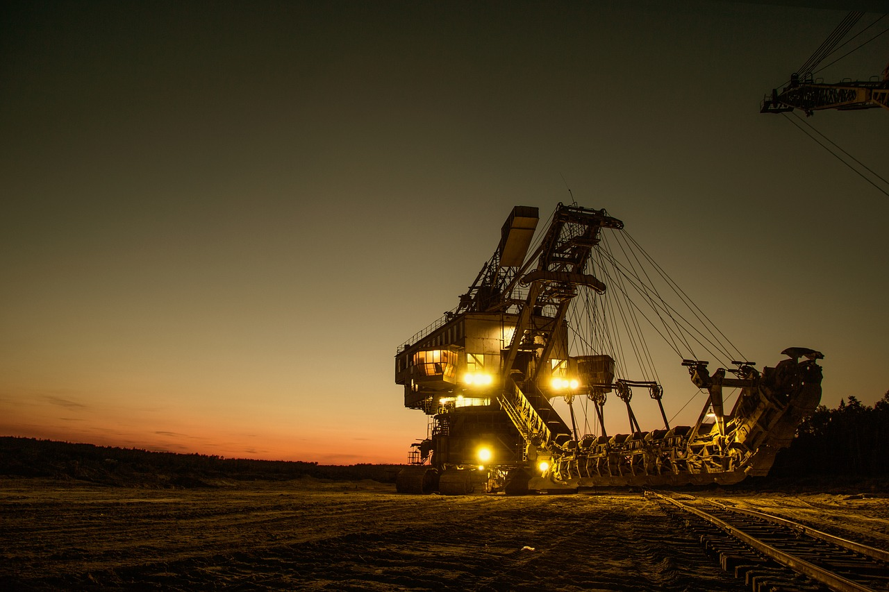 Crece actividad industrial 2% en octubre: Inegi