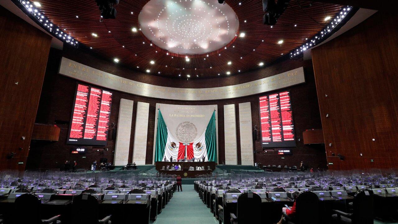 Diputados votarán hoy reforma al Banxico, pese a reclamos