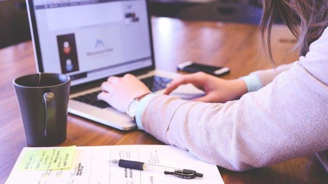SAT pide a contribuyentes quedarse en casa y hacer trámites en línea