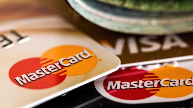 Así puedes pedir una tarjeta de crédito aunque estés en Buró