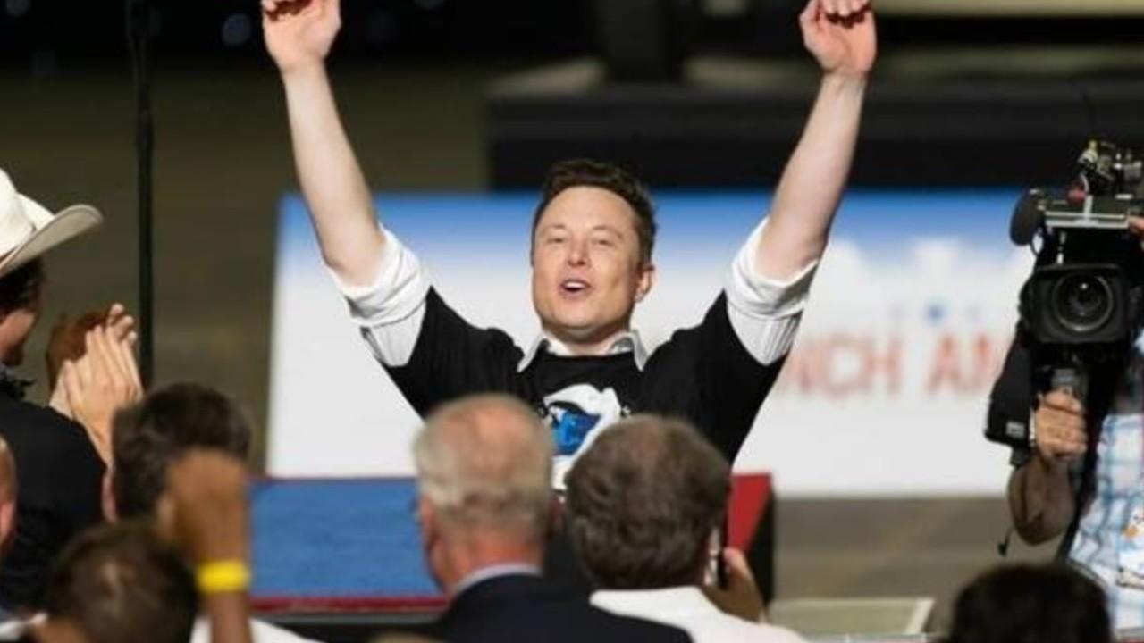 Elon Musk CEO de Tesla se convierte en el más rico del mundo