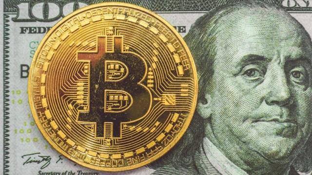 Hombre está a dos intentos de perder 200 millones de dólares en bitcoins