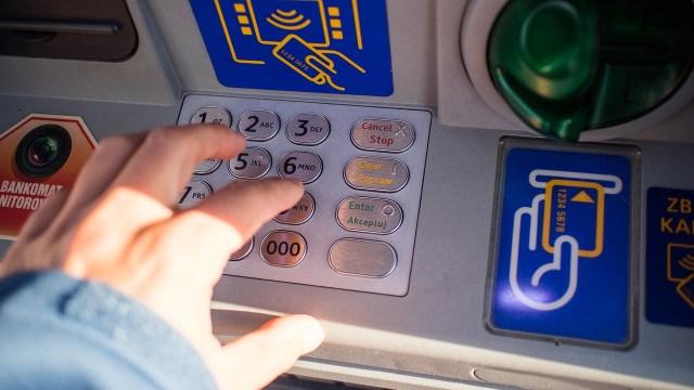 9 de cada 10 comisiones bancarias desaparecerán en 2021: ABM