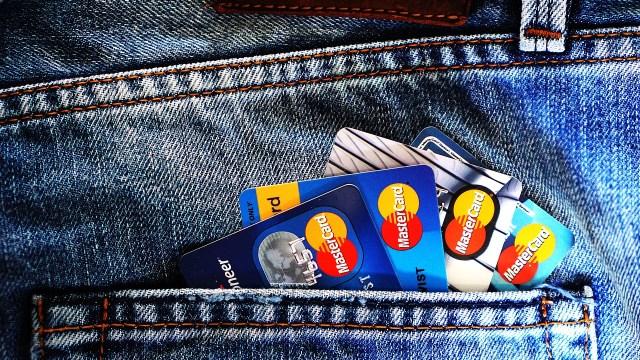 Crece número de tarjetas de débito en México por pandemia