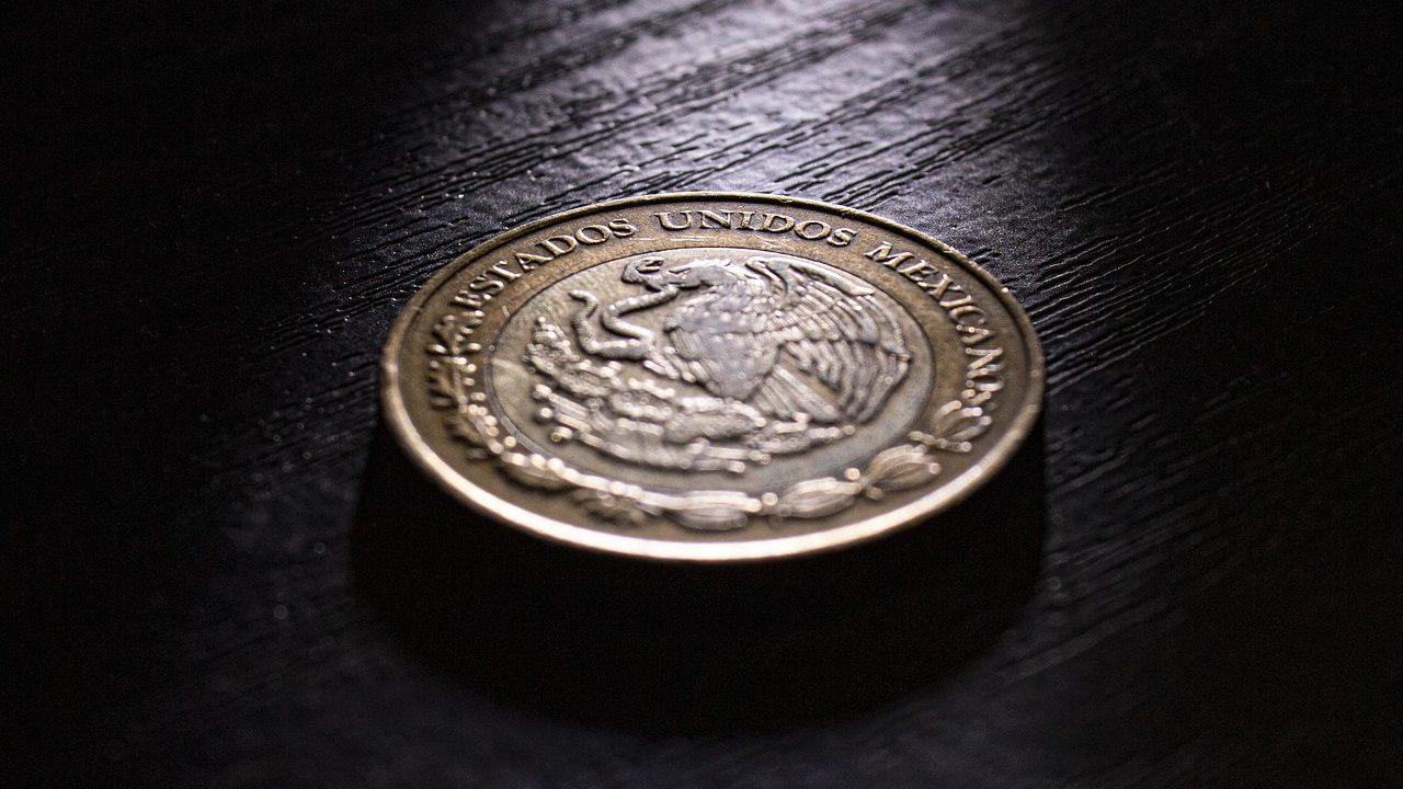 Billete de 10 pesos se vende en 2 mil 500 pesos