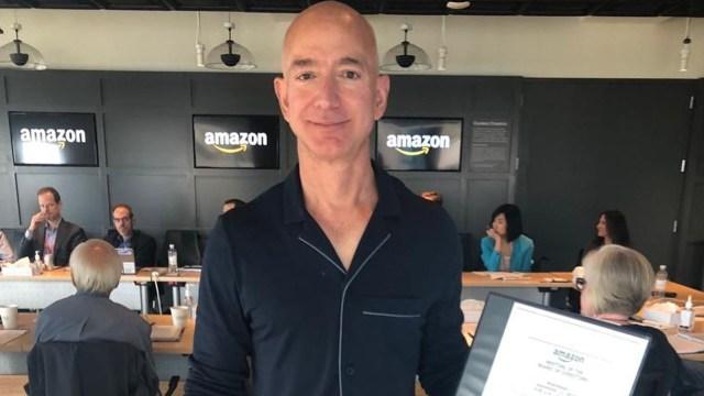 Jeff Bezos renuncia como CEO de Amazon