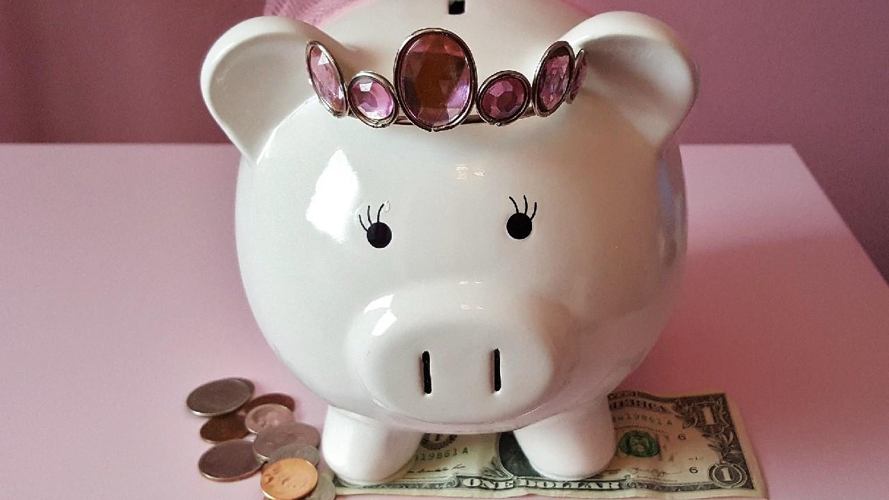 Lo que te ayuda y lo que no a forjar el hábito del ahorro según la Condusef
