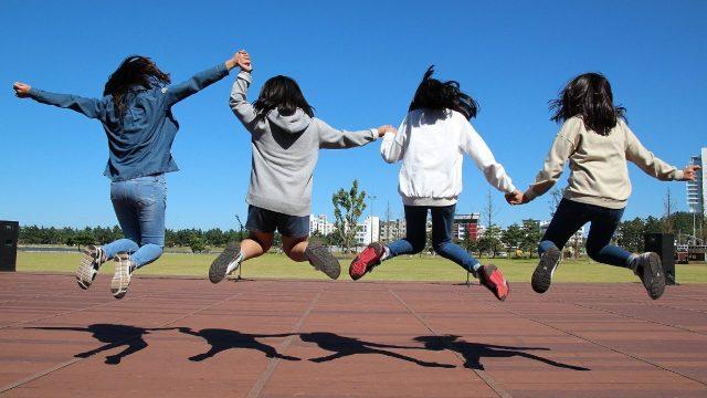 Consar e Imjuve se unen para fomentar la educación financiera en jóvenes