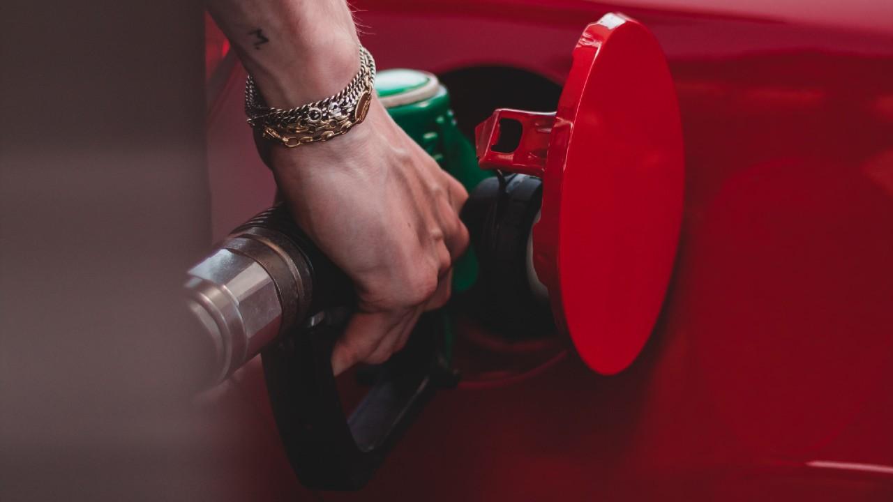 Consejos para cargar litros completos de gasolina