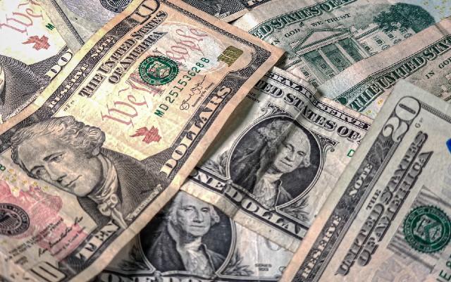 Hoy el dólar costó entre 20.9430 y 20.5905 pesos mexicanos