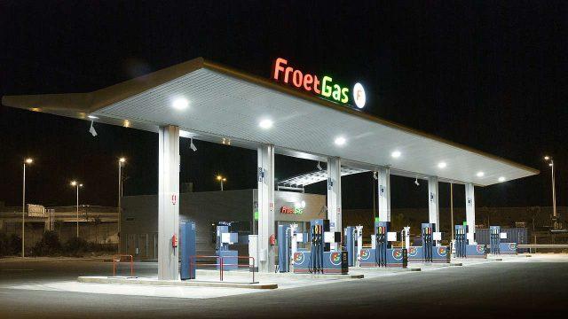 ¿Cómo puedo calcular cuánta gasolina consume mi auto?