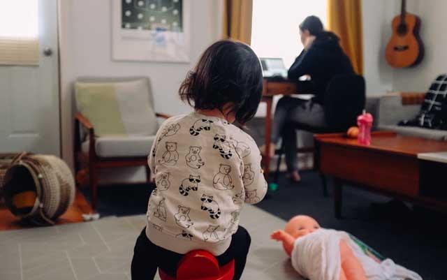 Beca para madres trabajadoras