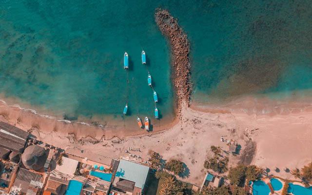 Menos ingresos por turismo