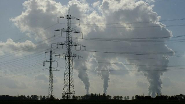 CFE aumenta 362% uso de termoeléctricas para producir electricidad