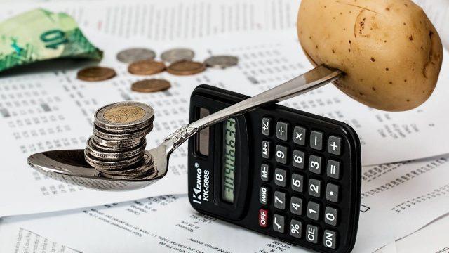Estas son las 7 razones por las que las personas contraen deudas