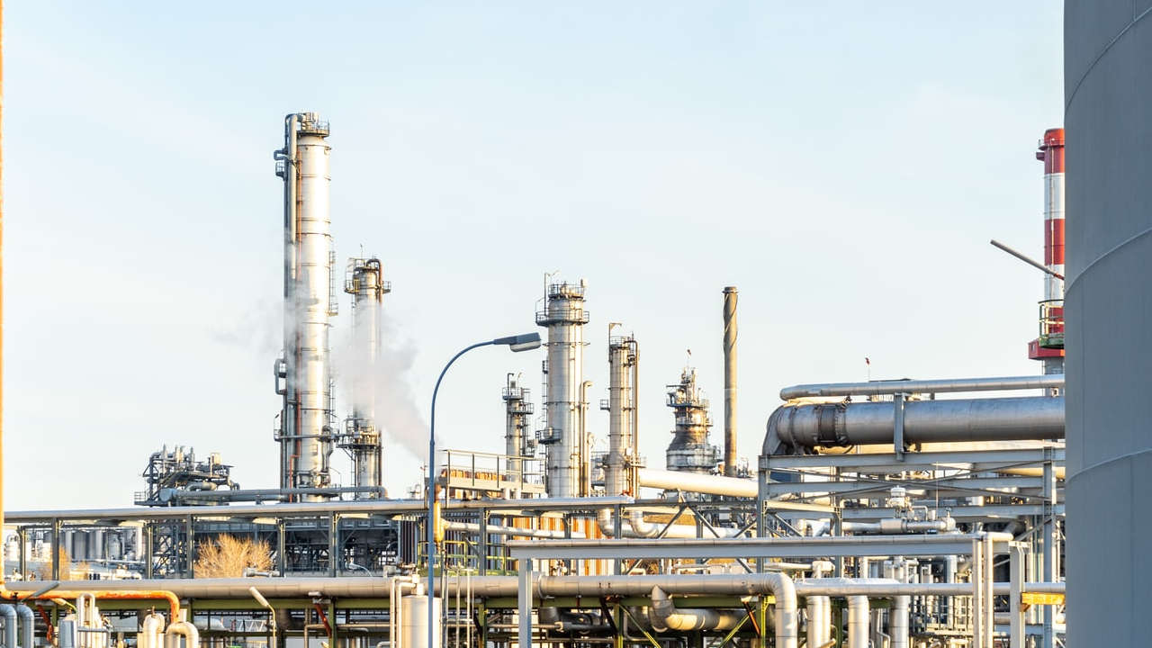 En febrero, crece 54% capacidad de procesamiento en refinerías de Pemex