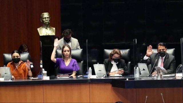 Senadores aprueban reforma al outsourcing; pasa al ejecutivo