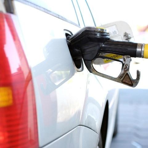 Manejar tu auto con poca gasolina puede dañar el motor, checa cómo reconocer estos daños