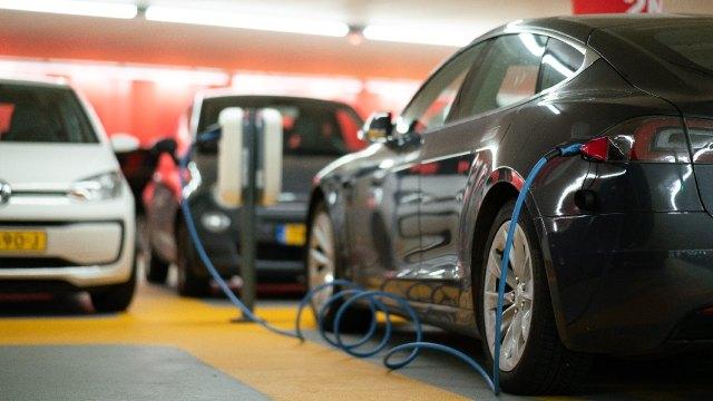Cuáles son las ventajas y desventajas de los autos eléctricos