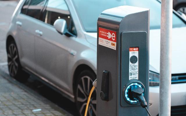 Es importante que investigues el ahorro que representará cada uno de los modelos eléctricos en comparación con su versión de motor a gasolina
