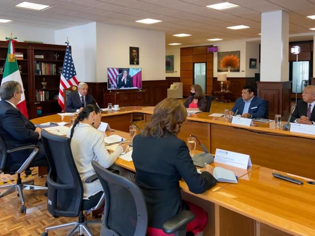 Celebra AMLO reunión sobre migración con Kamala Harris