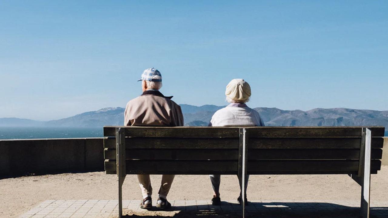 La pensión para adultos mayores afiliados al IMSS y al ISSSTE presentará un aumento del 15%