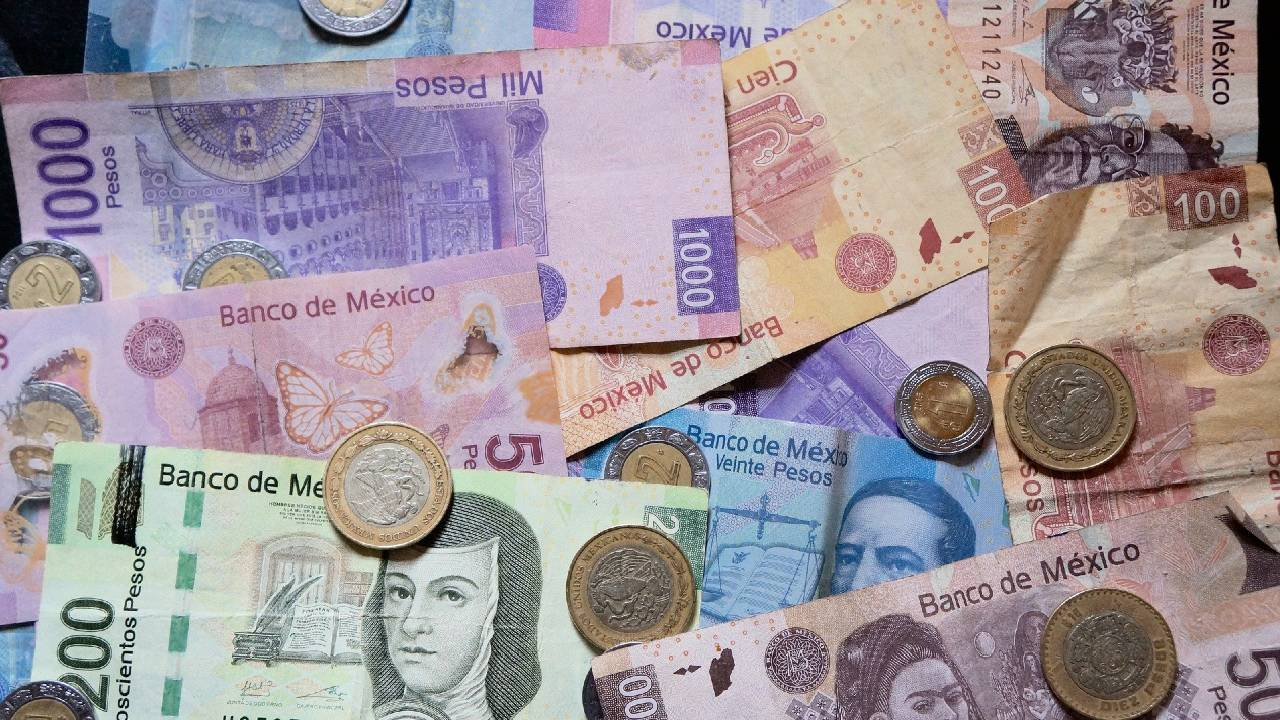 Billete de 20 pesos se vende en 50 mil