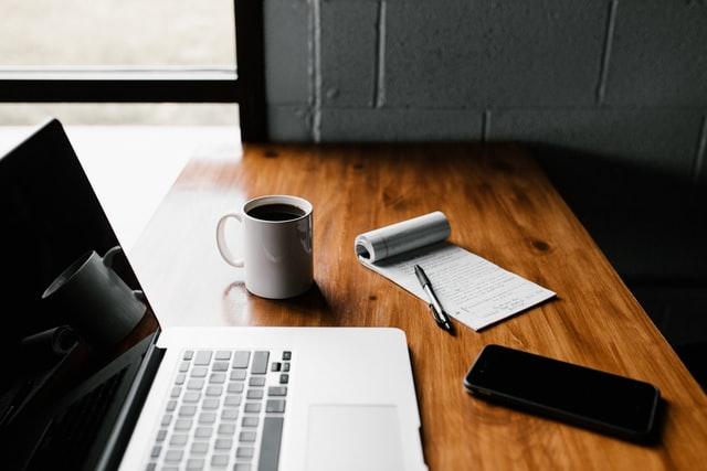 5 formas en las que ahorras dinero trabajando desde casa