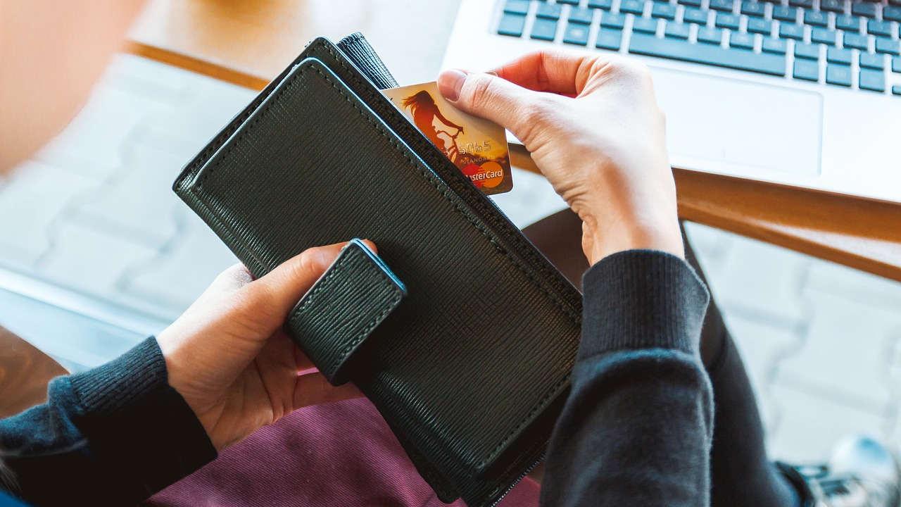 ¿Cuál es la mejor edad para solicitar tarjeta de crédito?