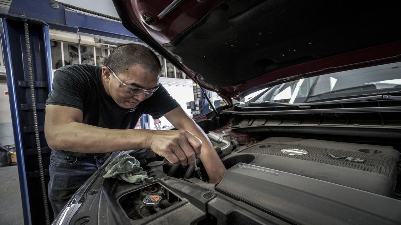 tipos de mantenimiento que necesita un auto