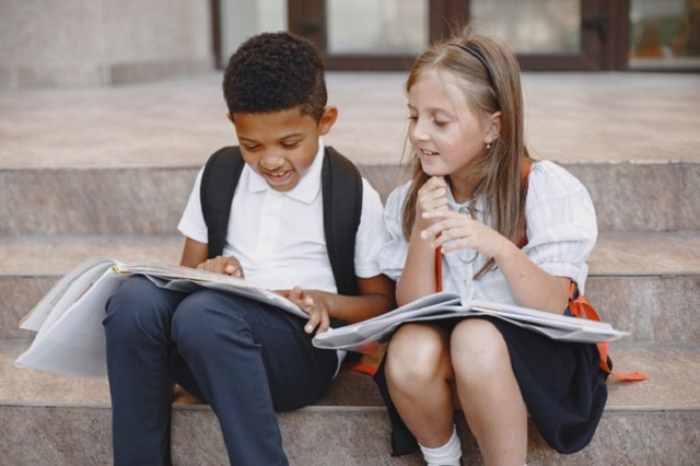 Los estudiantes de preescolar, primaria y secundaria ya pueden acceder a la Beca Bienestar para las Familias