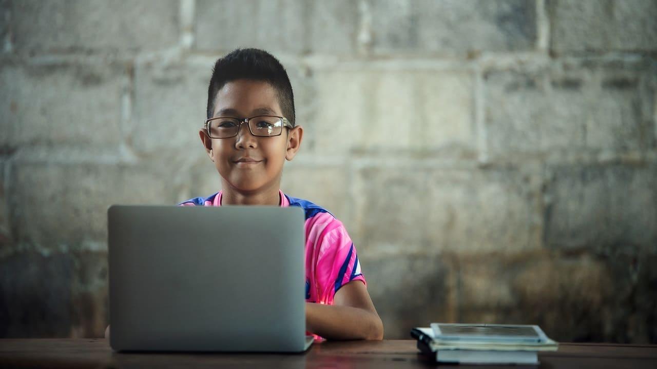 Las becas SEIEM van dirigidas a estudiantes de nivel básico inscritos en escuelas particulares del Estado de México
