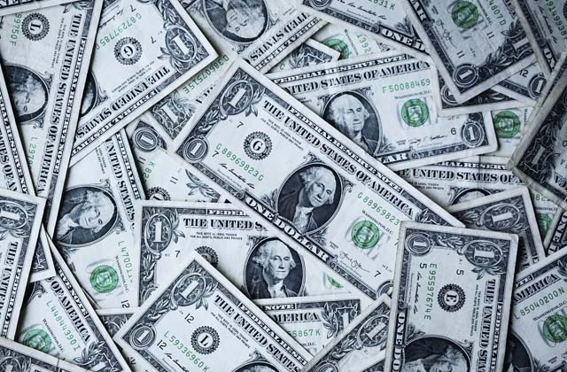 identifica cuanto cuesta el dólar