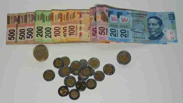 ¿Qué es lo que buscan los coleccionistas de billetes y monedas?
