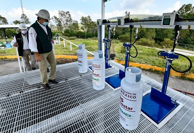 The owner of Pemex carried out the loading of the first tank