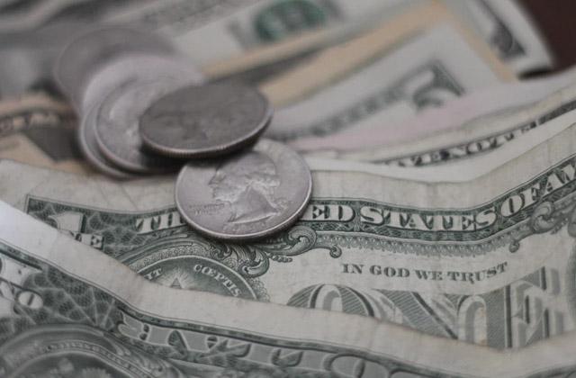 A cuánto está el dólar inicio de semana
