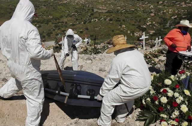 Incrementan muertes en pandemia